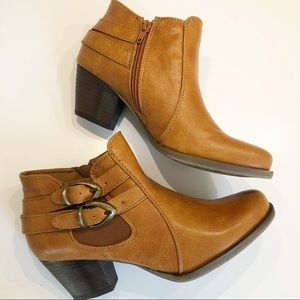 BARE TRAPS Leather Side Zip & Buckle Booties - 7.5